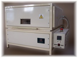 A fusing furnace PF04 internal dimensions 40 x 40 x 25 cm voltage 230 V, power 3,4 kW